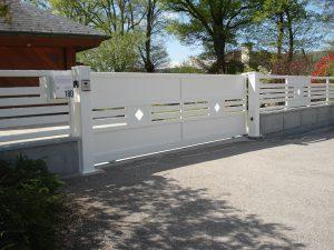 Portail-coulissant-Aluminium-blanc-Annecy-le-Vieux