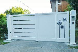 Portail-Battant-Aluminium-blanc-Ambilly
