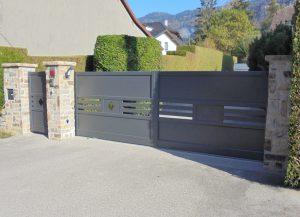 Portail-battant-portillon-Aluminium-gris-Magland