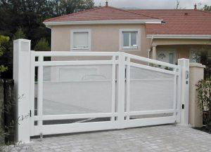 Portail-Battant-Aluminium-blanc-Cluses