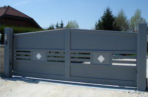 Portail-Battant-Aluminium-gris-Vers