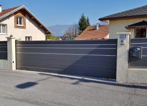 Portail-coulissant-Aluminium-gris-Valleiry