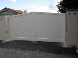 Portail-Battant-Aluminium-Blanc-Sillingy