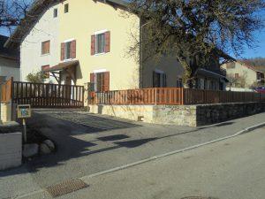 Portail-battant-clôture-Aluminium-ton-bois-Annecy-le-Vieux