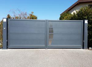 Portail-battant-Aluminium-Lune-gris-Annecy