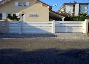Portail-Coulissant-Portillon-Aluminium-blanc-Bonneville