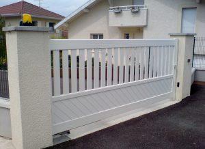 Portail-coulissant-Aluminium-blanc-Sales