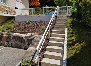 Rambarde-pour-escalier-Aluminium-verre-clair-une-lisse-Epagny