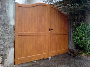 Portail-Battant-Aluminium-ton-bois-Groisy