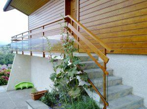 Rambarde-pour-escalier-Aluminium-ton-bois-une-lisse-verre-clair-Cluses