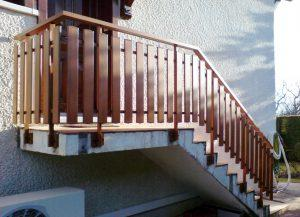 Rambarde-pour-escalier-Aluminium-ton-bois-traversant-Ayse