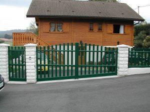 Portail-Battant-portillon-clôture-Aluminium-vert-Epagny