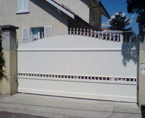 Portail-coulissant-Aluminium-Blanc-Saint-Laurent