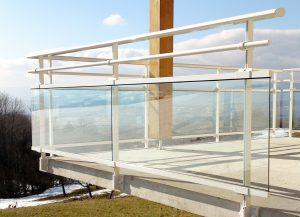 Garde-corps-Aluminium-vitré-une-lisse-Copponnex