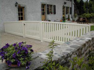 Portail-battant-Aluminium-blanc-La-Chapelle-Rambaud